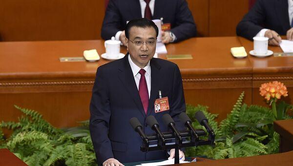 Премьер-министр Китая Ли Кэцян на заседании весенней сессии парламента в Китае. 5 марта 2017 года