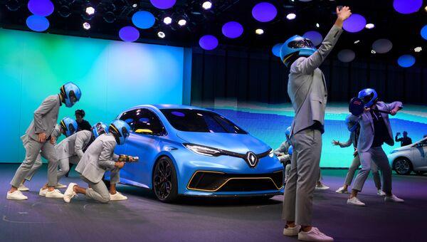 Автомобиль Renault ZOE e-Sport на Женевском международном автосалоне