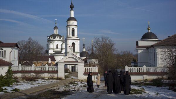 Свято-Никольский Черноостровский женский монастырь в городе Малоярославце Калужской области