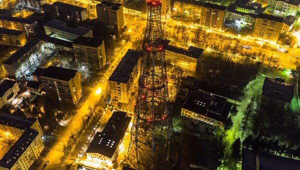 Вечерний вид на Шуховскую башню в Москве