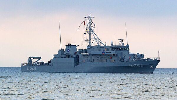 Корабль соединения постоянной военно-морской противоминной группы НАТО в порту Одессы