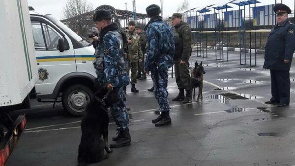 Федеральная служба исполнения наказаний РФ передает правоохранительным органам Украины 12 осужденных граждан Украины