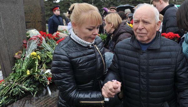 На церемонии открытия памятника жертвам авиакатастрофы самолета Boeing 737 в Ростове-на-Дону