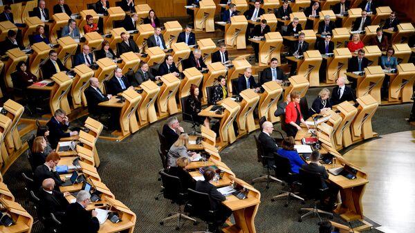 Первый министр Шотландии Никола Стерджен во время обсуждения вопроса о проведении повторного референдума за независимость Шотландии. Архивное фото