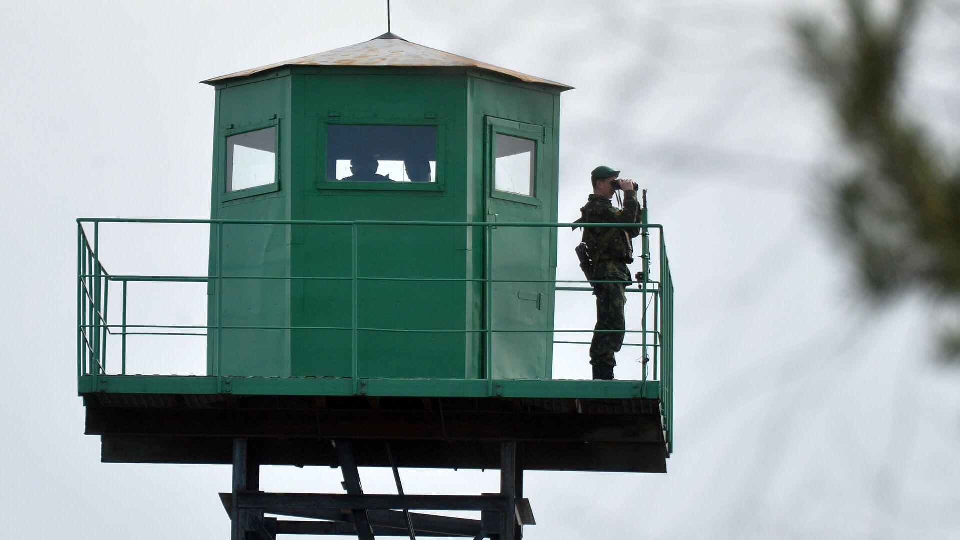 Пограничная вышка наблюдения на на белорусско-украинской границе - РИА Новости, 1920, 02.07.2021