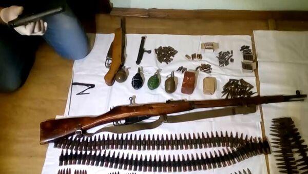 Оружие и боеприпасы, найденные в ходе обысков у членов преступной группы, занимавшейся незаконным оборотом оружия на территории РФ