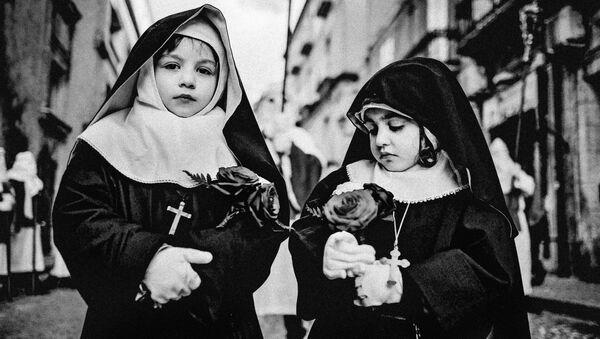 Работа фотографа из Италии Salvatore Mazzeo Holy Friday of ENNA для 2017 Sony World Photography Awards