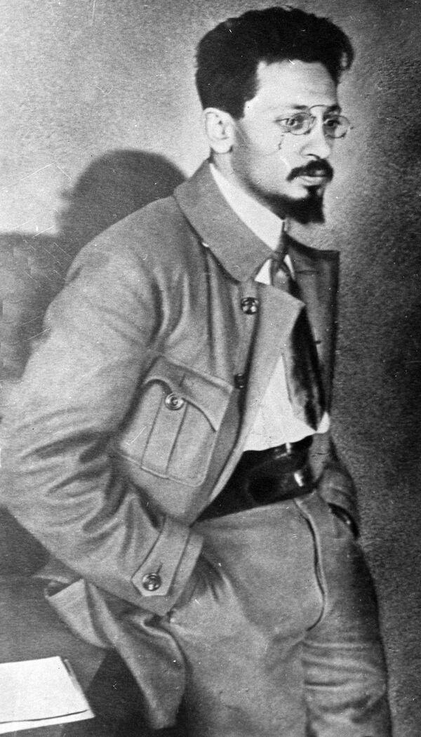 Яков Михайлович Свердлов (1885-1919), российский политический и государственный деятель, революционер, большевик