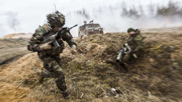 Военнослужащие литовской армии во время совместных учений войск НАТО