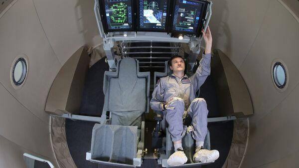 Макет пилотируемого транспортного корабля нового поколения Орел