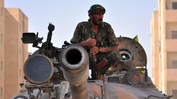 Боевик курдского отряда YPG в Сирии