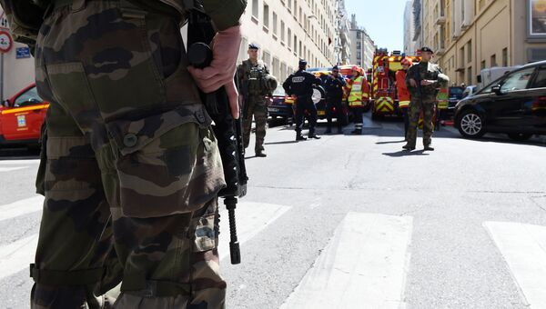 Сотрудники полиции. Франция. Архивное фото
