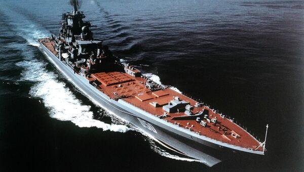 Тяжелый атомный ракетный крейсер Адмирал Лазарев в 1986 году. Имя при закладке — Фрунзе