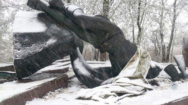 Памятник Неизвестному офицеру недалеко от села Кильчень в Днепропетровской области Украины