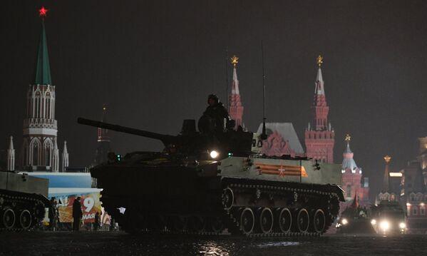 Боевые машины десанта БМД-4 М Садовница на репетиции парада Победы на Красной площади