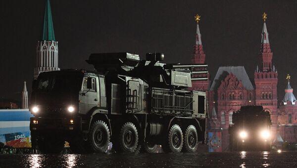 Зенитный ракетно-пушечный комплекс Панцирь-С на репетиции парада Победы на Красной площади