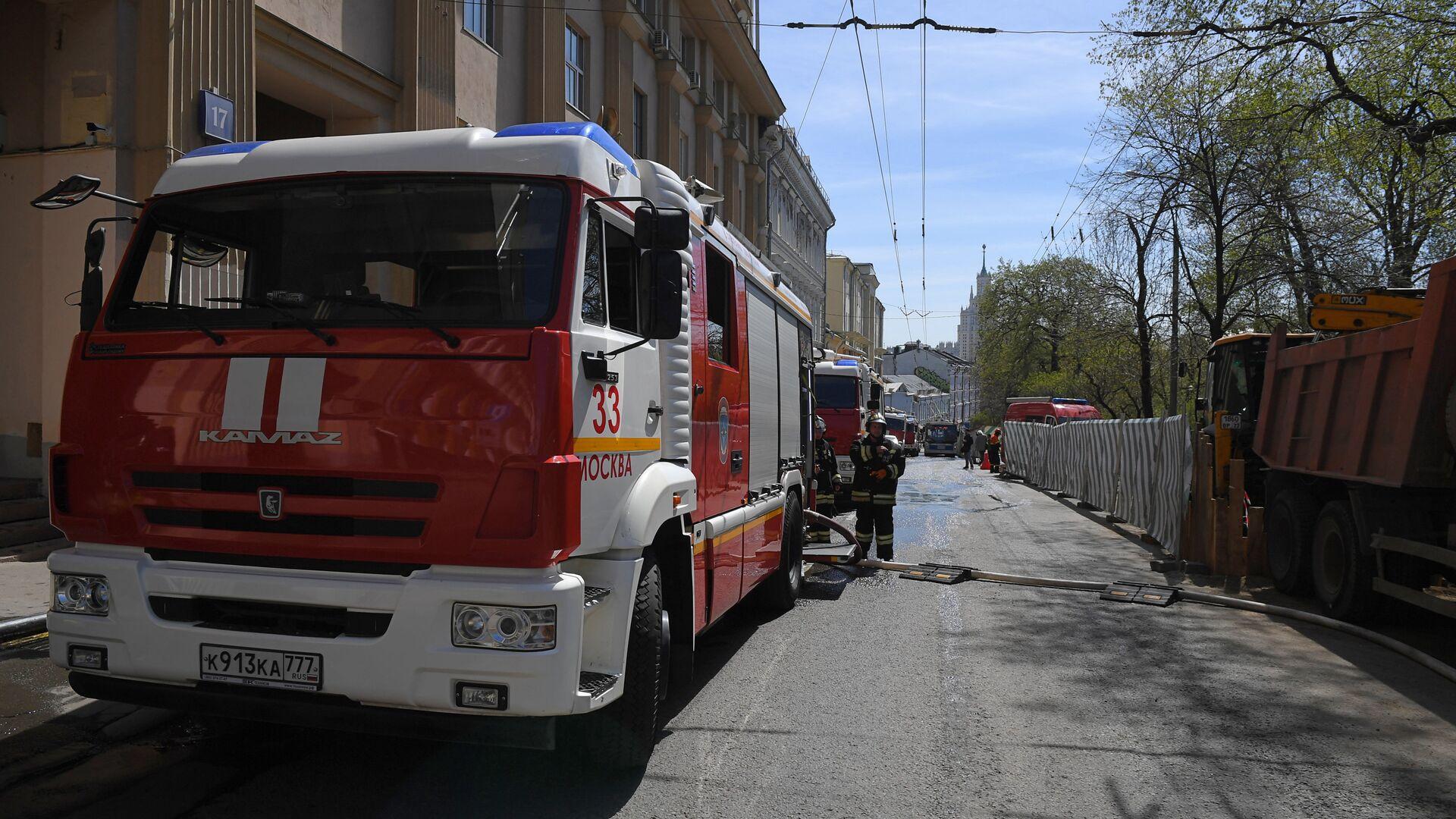 При пожаре в Оренбурге пострадали два человека