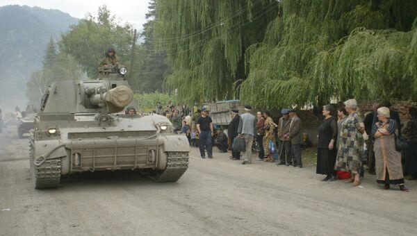 Российская военная техника направляется в зону вооруженного конфликта в Южной Осетии. 2008 год