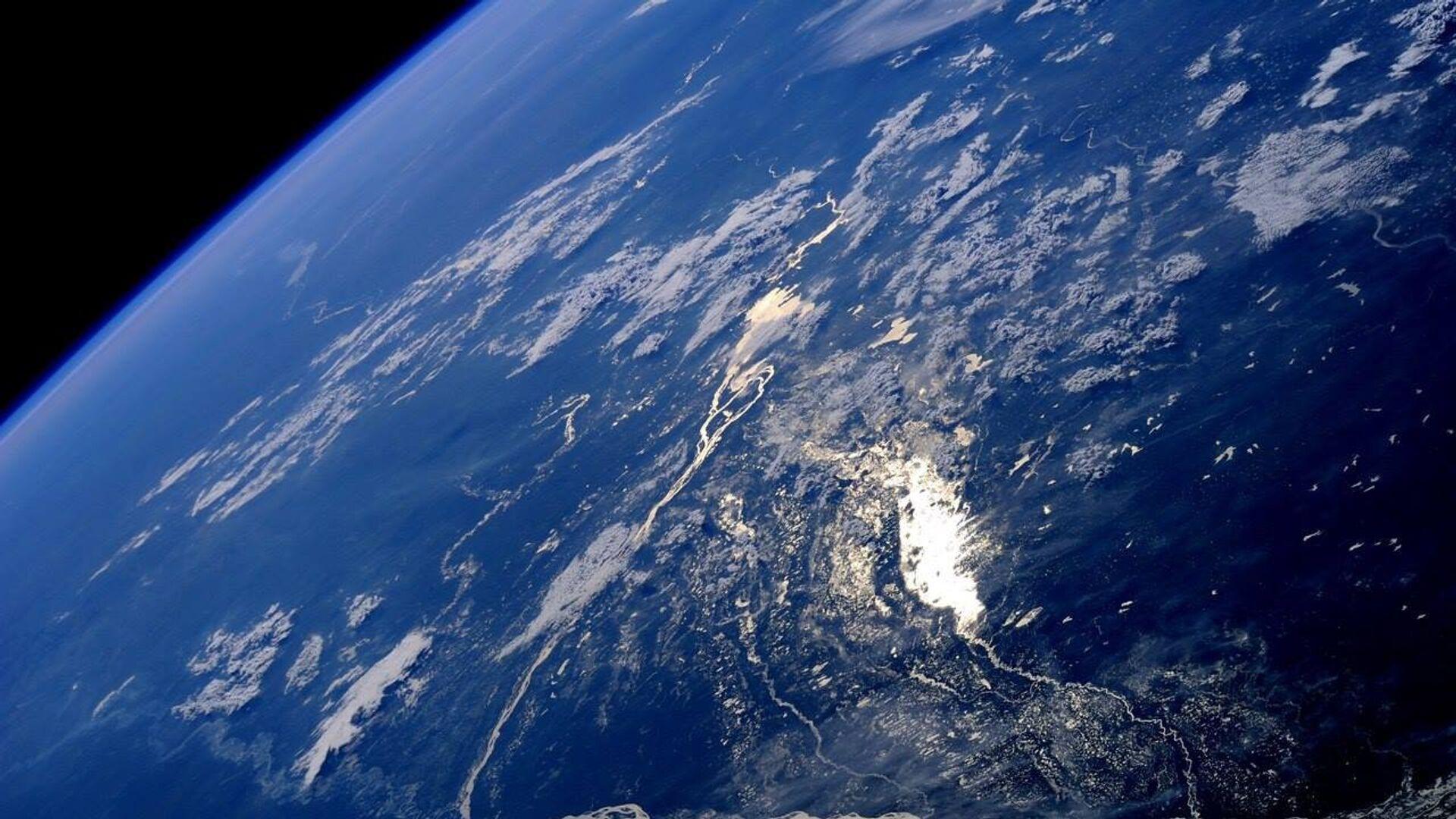 Россия создает программу управления сотнями спутников на орбите