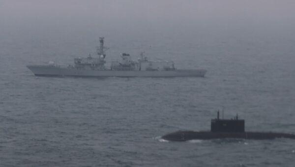 Под наблюдением Британии – подлодка РФ прошла Ла-Манш в сопровождении корабля