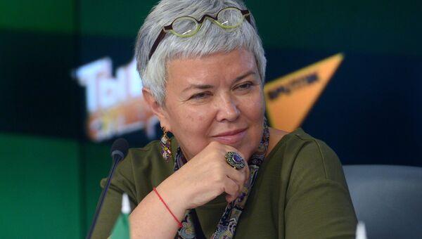 Заместитель главного редактора МИА Россия сегодня Елена Чепурных на пресс-конференции, посвящённой детскому вокальному конкурсу Ты супер!