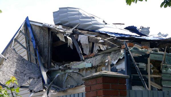 Последствия обстрела в Куйбышевском районе Донецка. 23 мая 2017