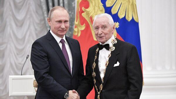 Владимир Путин и балетмейстер Юрий Григорович