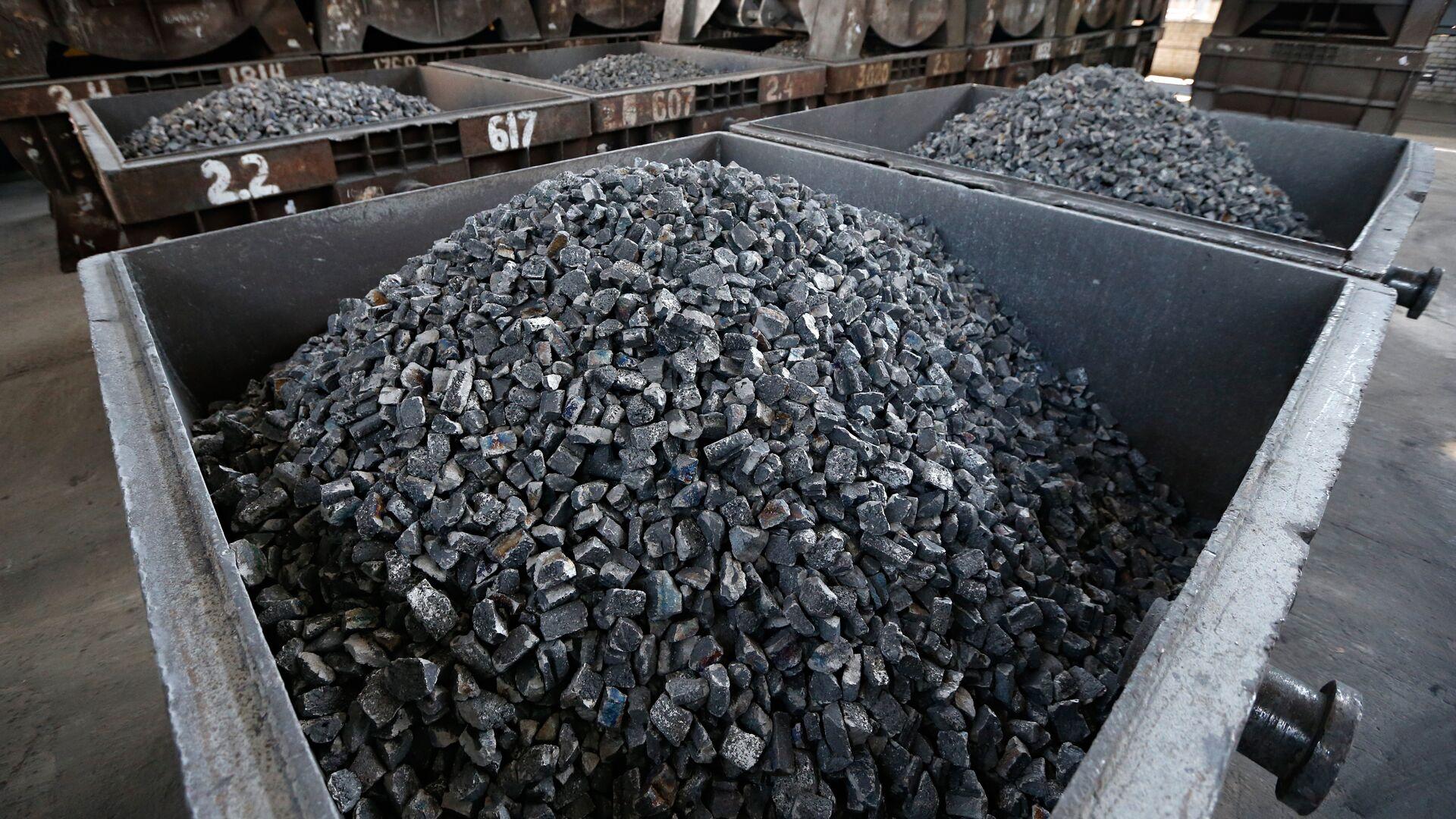 Власти Тувы снизили предельную цену на уголь для населения