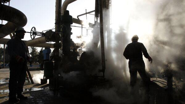 Нефтеперерабатывающий завод в Тегеране, Иран