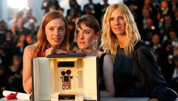 Сандрин Киберлэн, Леонора Серраила и Летиция Дош на церемонии закрытия 70-го Каннского международного кинофестиваля