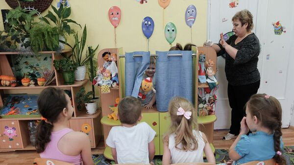 Занятия в театральной студии Петрушка в детском саду комбинированного вида № 18 в городе Самаре