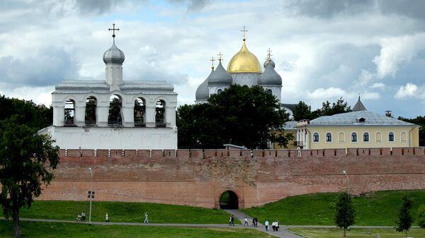Софийская звонница и Софийский собор в Великом Новгороде