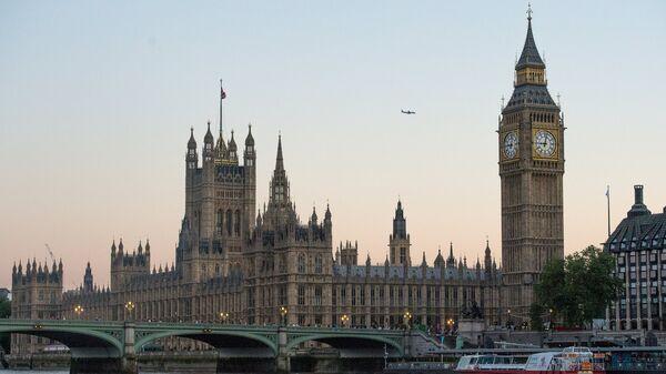Вестминстерское Аббатство и Биг Бен в Лондоне. 2017 год