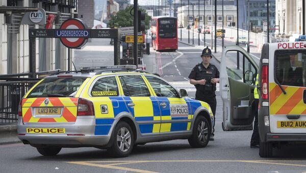 Полицейский кордон на южной стороне Лондонского моста после теракта в ночь на 4 июня. Архивное фото