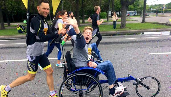 Глеб Гришанов принимает участие в благотворительном марафоне