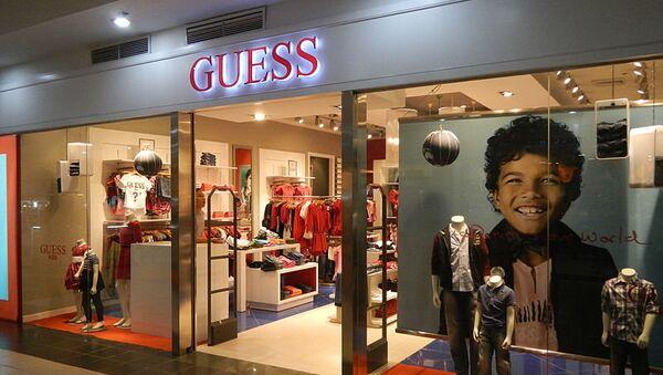 Магазин Guess. Архивное фото