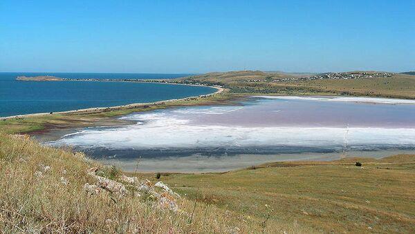 Чокракское озеро на востоке Крыма. Архивное фото
