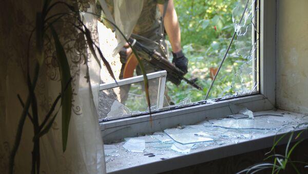 Последствия обстрела со стороны ВСУ в Кировске. 7 июня 2017
