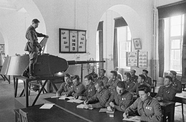 Выпускники Военной Академии им. Сталина
