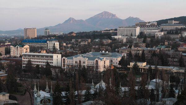 Вид на город Пятигорск со склона горы Машук. Архивное фото