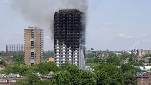 Пожар в 24-этажном жилом доме Grenfell Tower в Лондоне