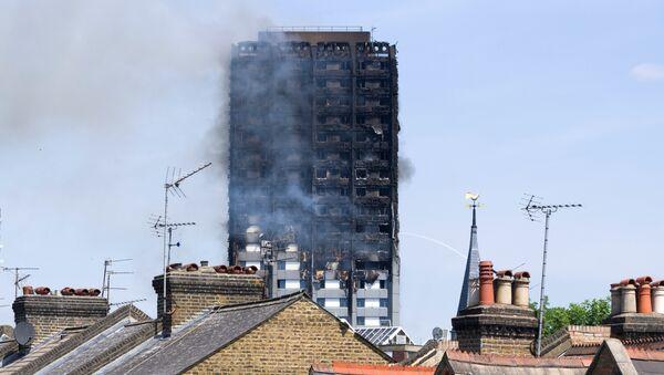 Пожар в многоэтажном доме Grenfell Tower в Лондоне. Архивное фото