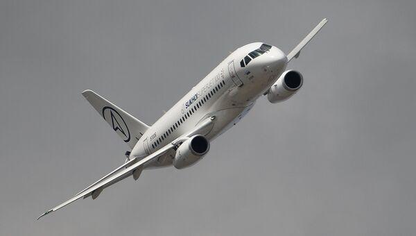 Самолет Сухой Суперджет 100. Архивное фото