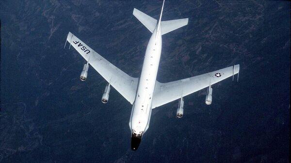 Американский самолет-разведчик RC-135