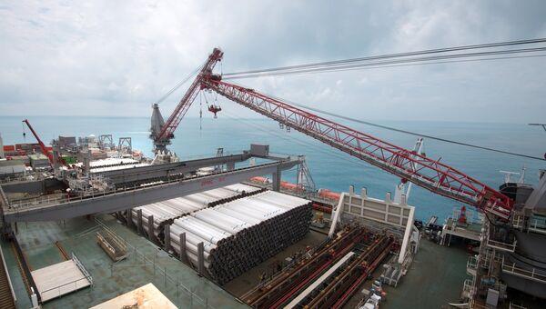 Работа судна-трубоукладчика Пиониринг Спирит в районе Анапы. 23 июня 2017
