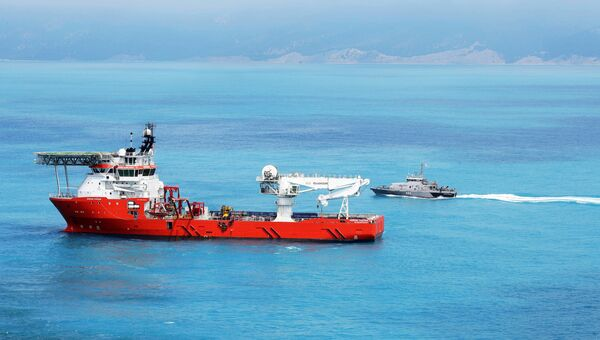 Судно снабжения Normand Poseidon, обеспечивающее работу судна-трубоукладчика Pioneering Spirit в Черном море
