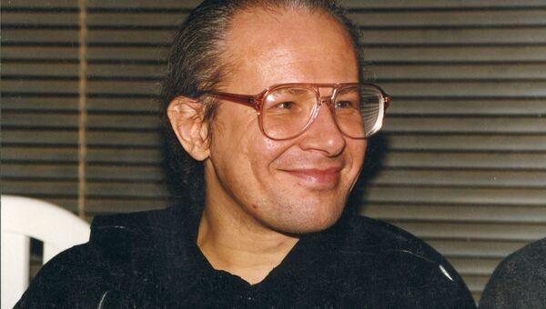Андрей Бурлака музыкальный журналист 80-90-х годов и автор Рок-энциклопедии. Архивное фото