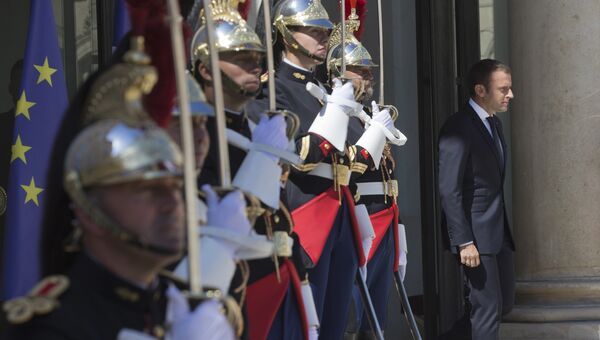 Президент Франции Эммануэль Макрон в Елисейском дворце в Париже, Франция. 26 июня 2017. Архивное фото