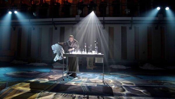 Сцена из спектакля Упражнения и танцы Гвидо
