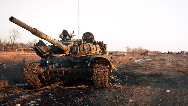 Уничтоженная украинская военная техника на Донбассе. Архивное фото